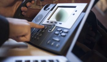 5 Reasons Businesses Should Use VoIP Telephone Systems