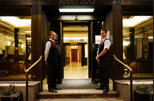 Succeed In Hotel Business: TOP 7 Hotel Characteristics and Tips